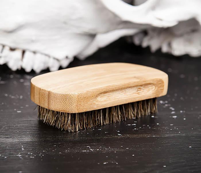RAZ448 Крупная щетка для бороды из дерева фото 05