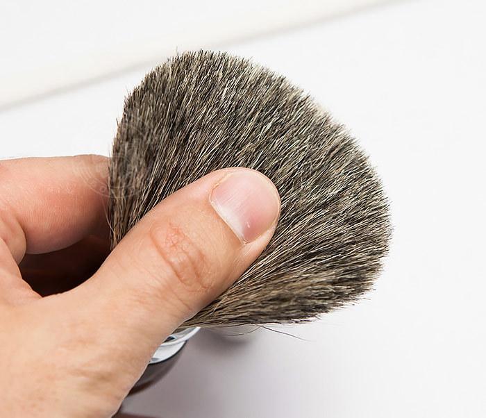 RAZ303-2 Помазок из волоса барсука с коричневой рукояткой фото 05
