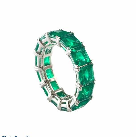 70457 - Кольцо-дорожка из серебра с изумрудными цирконами огранки принцесса