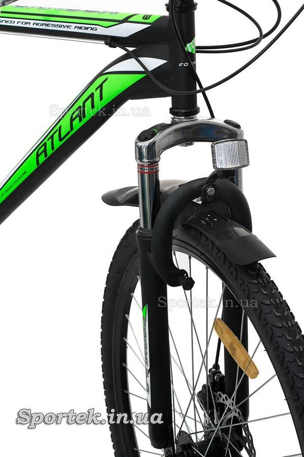 Амортизаційна вилка і V-brake гальмо гірського чоловічого велосипеда Formula Atlant DD 2015 (Формула Атлант)