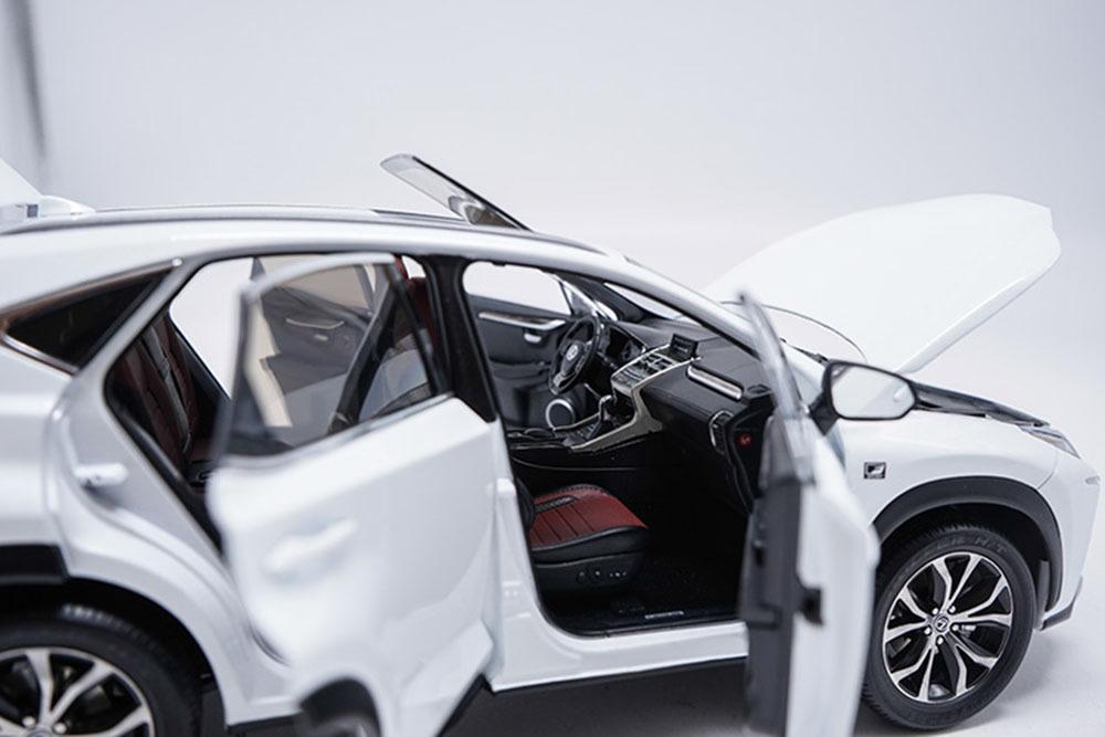 Коллекционная модель LEXUS NX200T 2018 WHITE
