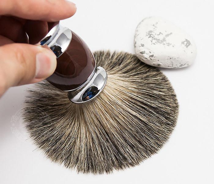 RAZ303-2 Помазок из волоса барсука с коричневой рукояткой фото 06