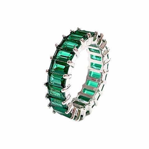 70215 - Кольцо-дорожка из серебра с изумрудными цирконами багетной огранки