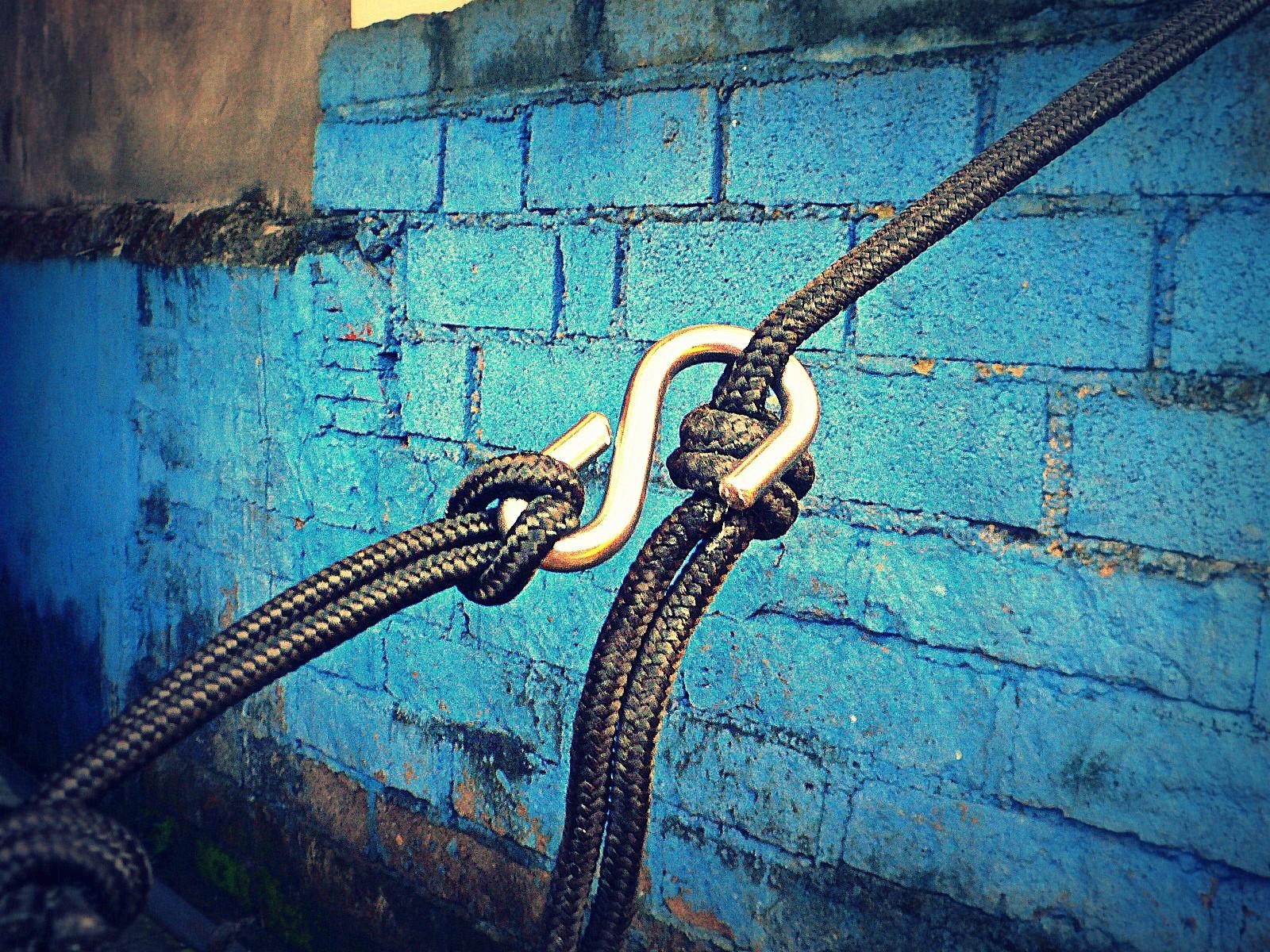 Как закрепить гамак с помощью веревок.