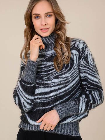 Женский свитер черного цвета из мохера - фото 3