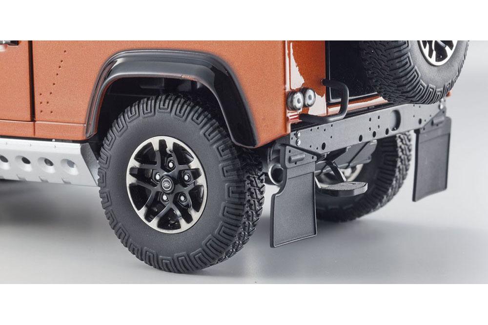 Коллекционная модель Land Rover Defender 90 Adventure 2016 Phoenix Orange