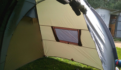 Палатка Canadian Camper SANA 4 PLUS, цвет forest, окно изнутри.