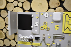 Бизиборд стандарт 50х65 см с телефонной трубкой Желтый универсальный