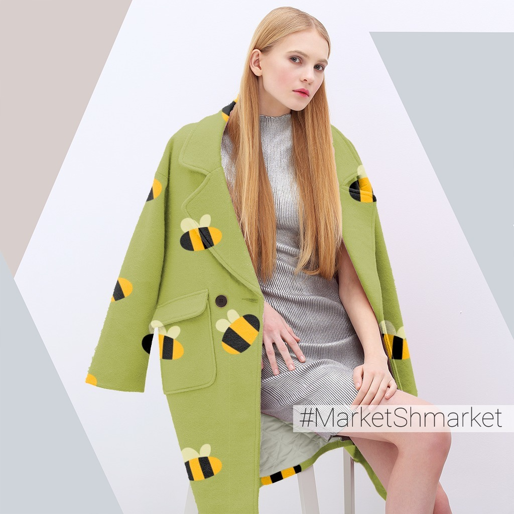 Милый принт с крупными шмелями на зеленом фоне