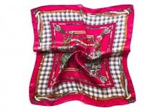 Итальянский платок из шелка фуксия с принтом 0026