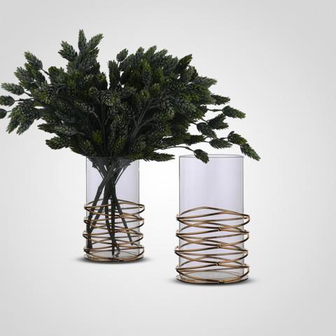 Стеклянная ваза цилиндр в металлическом золотистом каркасе
