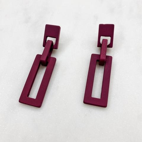 Серьги акриловые с прямоугольными подвесками (бордовый)