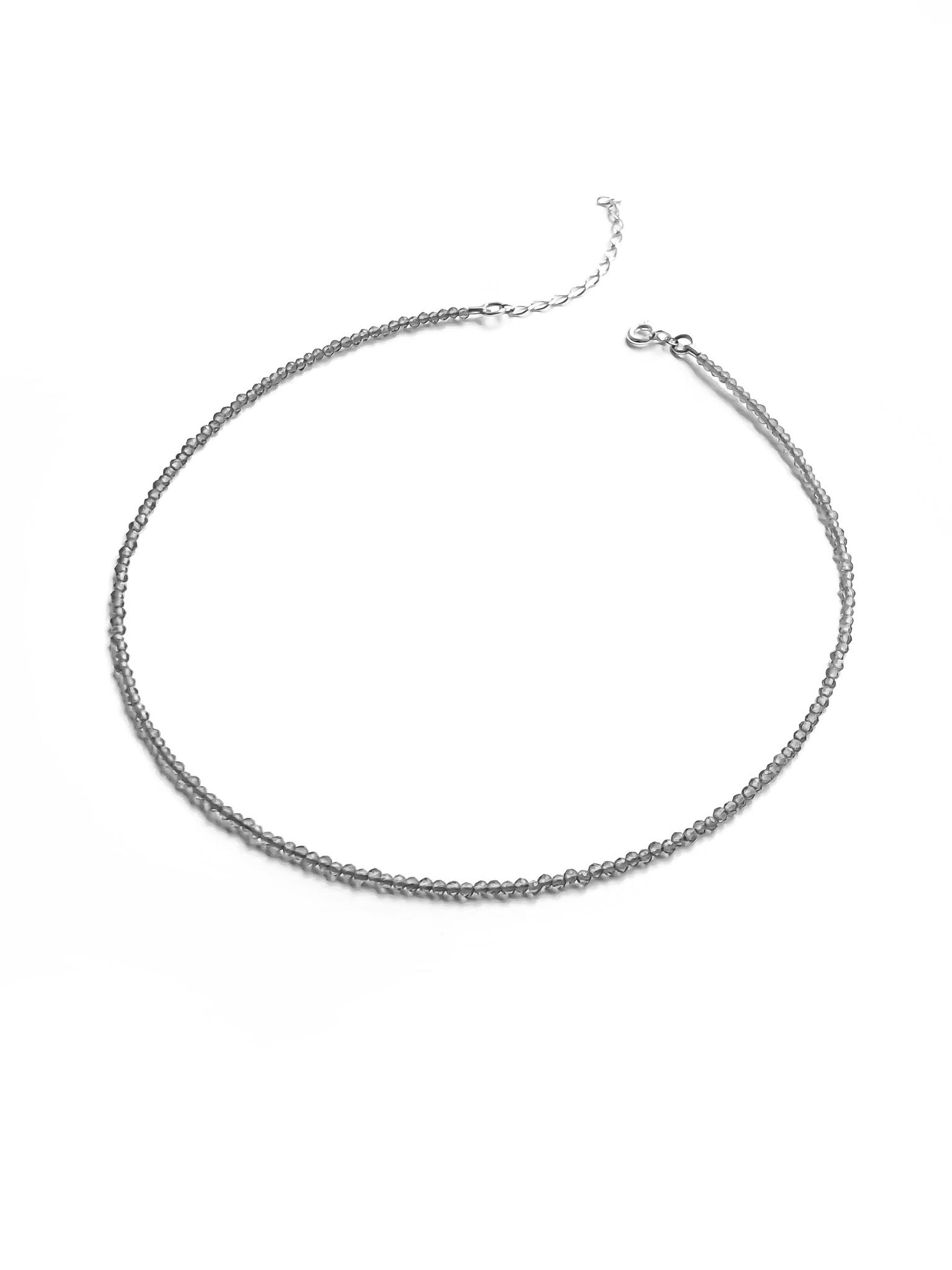 Серебряное колье-чокер со шпинелью