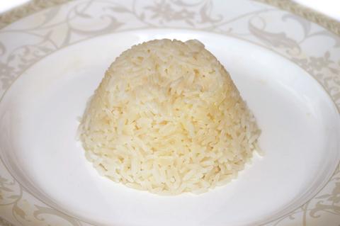 Рис отварной с соусом