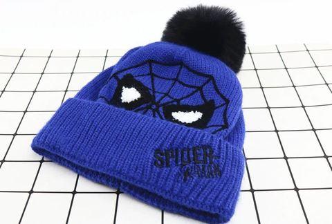 Человек паук шапка детская с помпоном