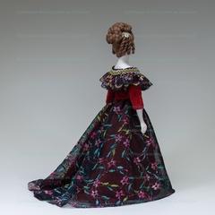 Сувенирная кукла в вечернем платье