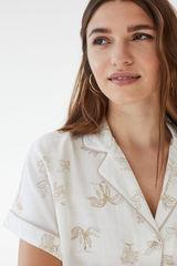 Піжама в сорочковому стилі з короткими рукавами і тропічним принтом