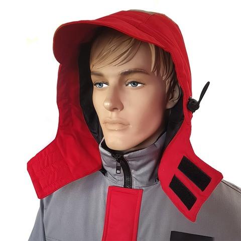 Внутренняя часть куртки имеет ветрозащитную юбку