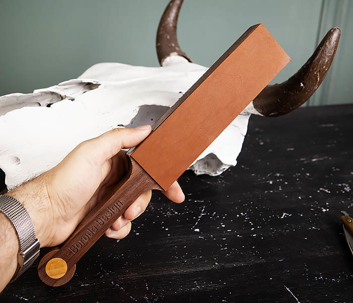 RAZ464 Кожаный ремень с деревянной рукояткой для правки бритвы фото 09