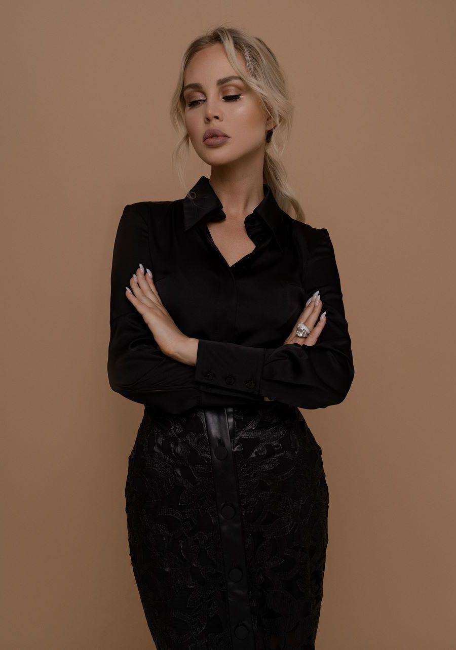 Рубашка черная атласная