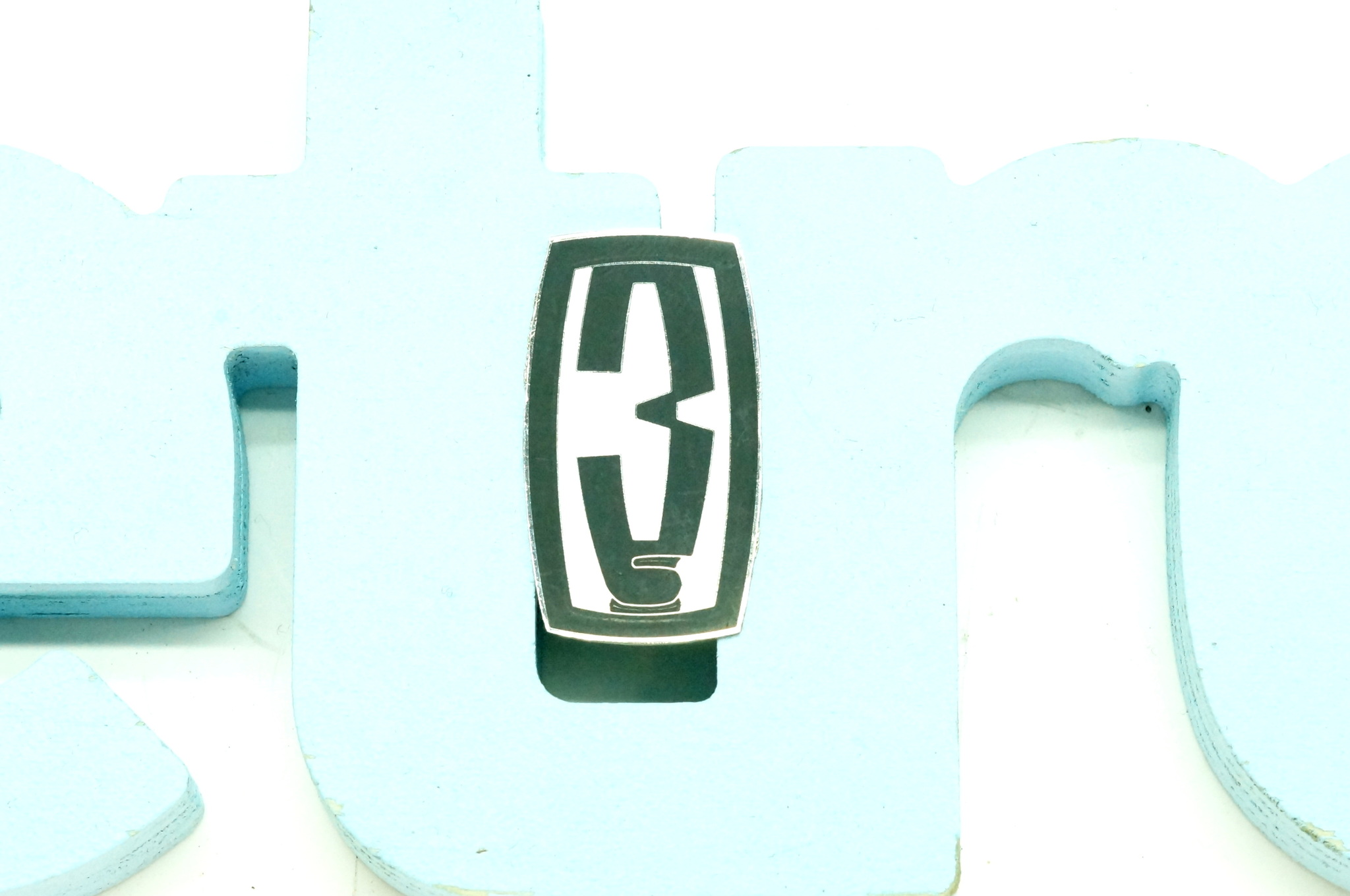 Значок эмблема капота ЗАЗ 968М