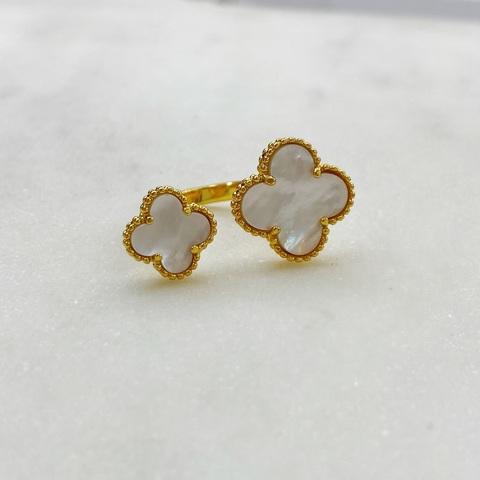 Кольцо незамкнутое Два Клевера (белый, золотистый)
