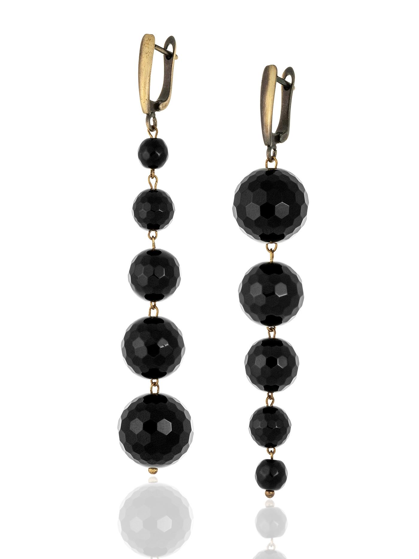 Серьги асимметричные с черным граненым  агатом