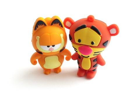 usb-флешка тигра и кот