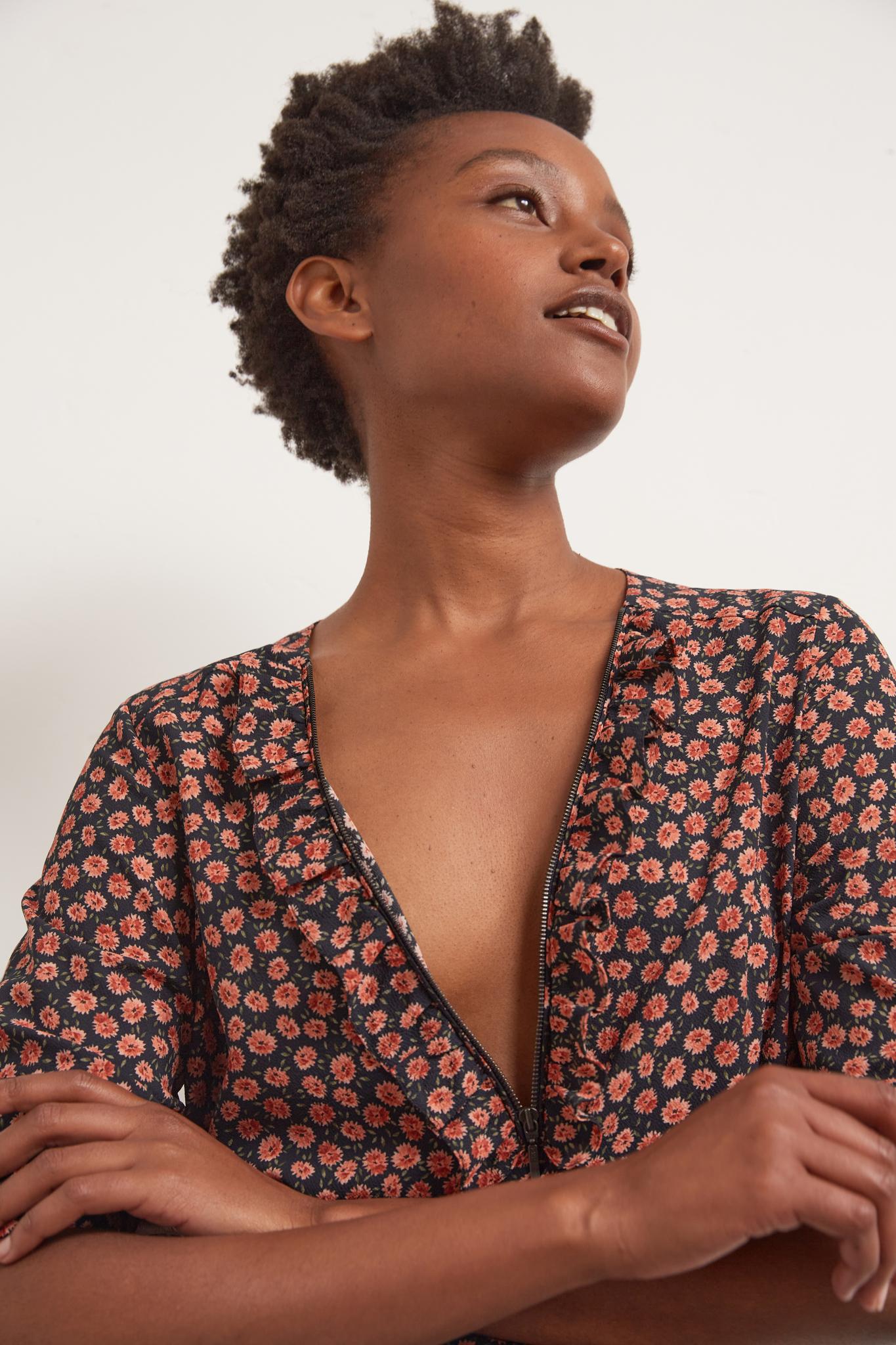ANA - Блуза из крепа с цветочным ретро-принтом