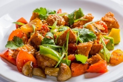 Філе білої риби в вокє з овочами і пряним соусом / White fish fillet in a wok with vegetables and spicy sauce