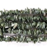 Нить бусин из клинохлора, фигурные, 1x5 - 4x8 мм (крошка, гладкие)