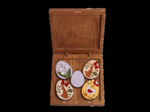 Подарочный набор из пяти пасхальных яиц в средней коробке