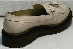 Женские осенние туфли на низком каблуке Markos S-6 Light Beige.