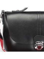 Черная кожаная сумка классической формы с клапаном