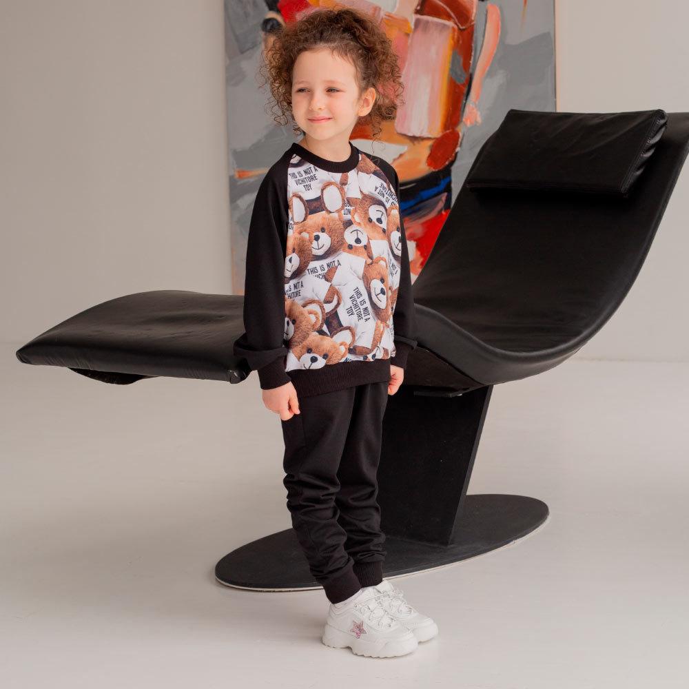 Дитячий, підлітковий спортивний костюм з авторським принтом в чорному кольорі для дівчинки