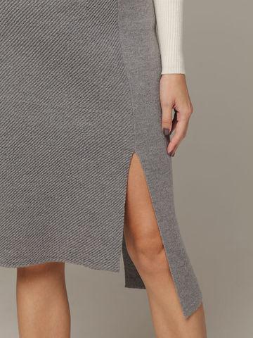 Асимметричная юбка прямого силуэта фактурной вязки - фото 3