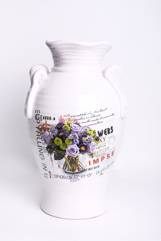 Декоративная ваза.