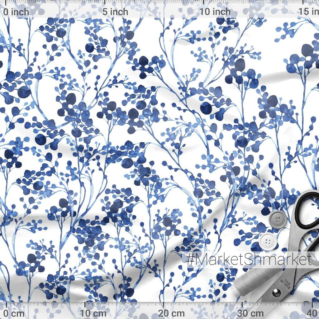 Абстрактные синие цветы на белом фоне.
