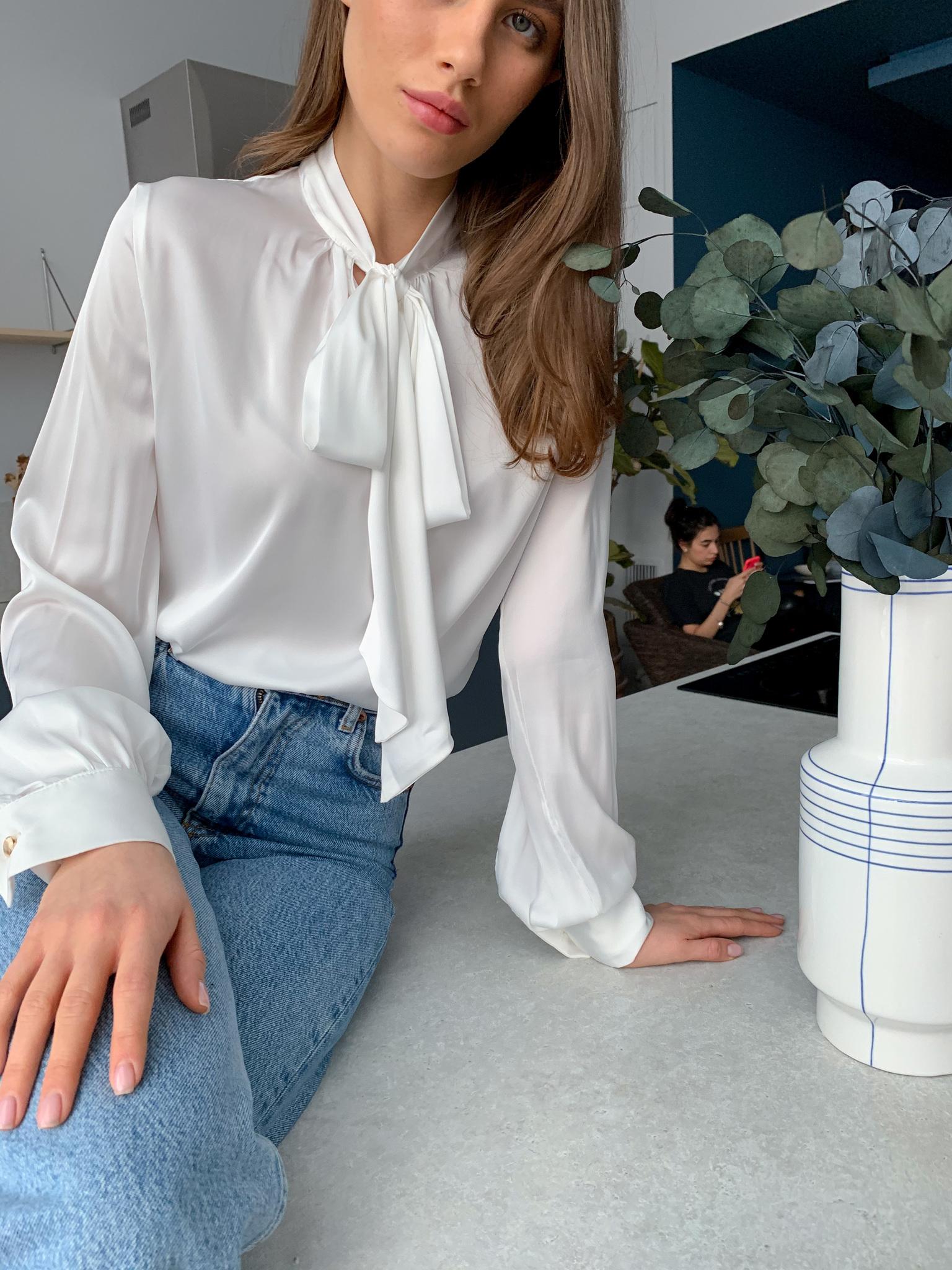 Блуза шелковая однотонная с бантом (айвори)
