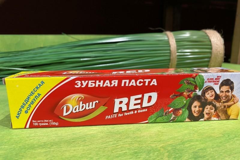 Зубная паста аюрвед. DABUR RED комплексный уход за полостью рта, 100 г.