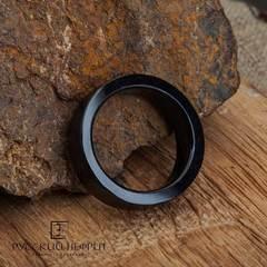 Кольцо из цельного черного нефрита. Прямое, матовое