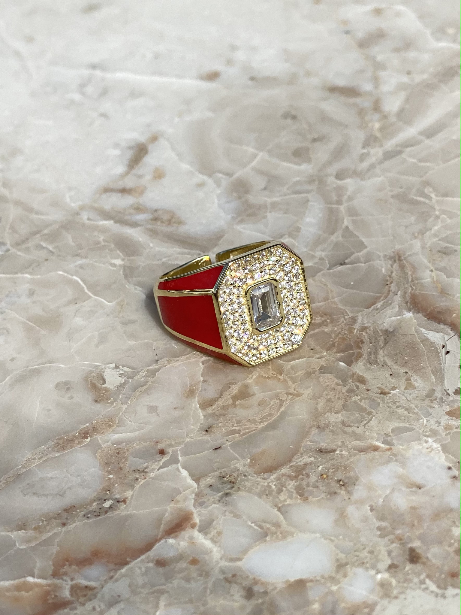 Signet ring in gold plated silver with red enamel and zircons
