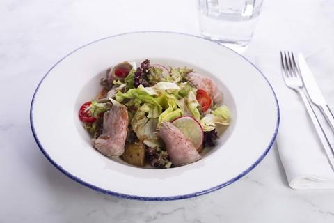 Салат с ростбифом и тёплым картофелем