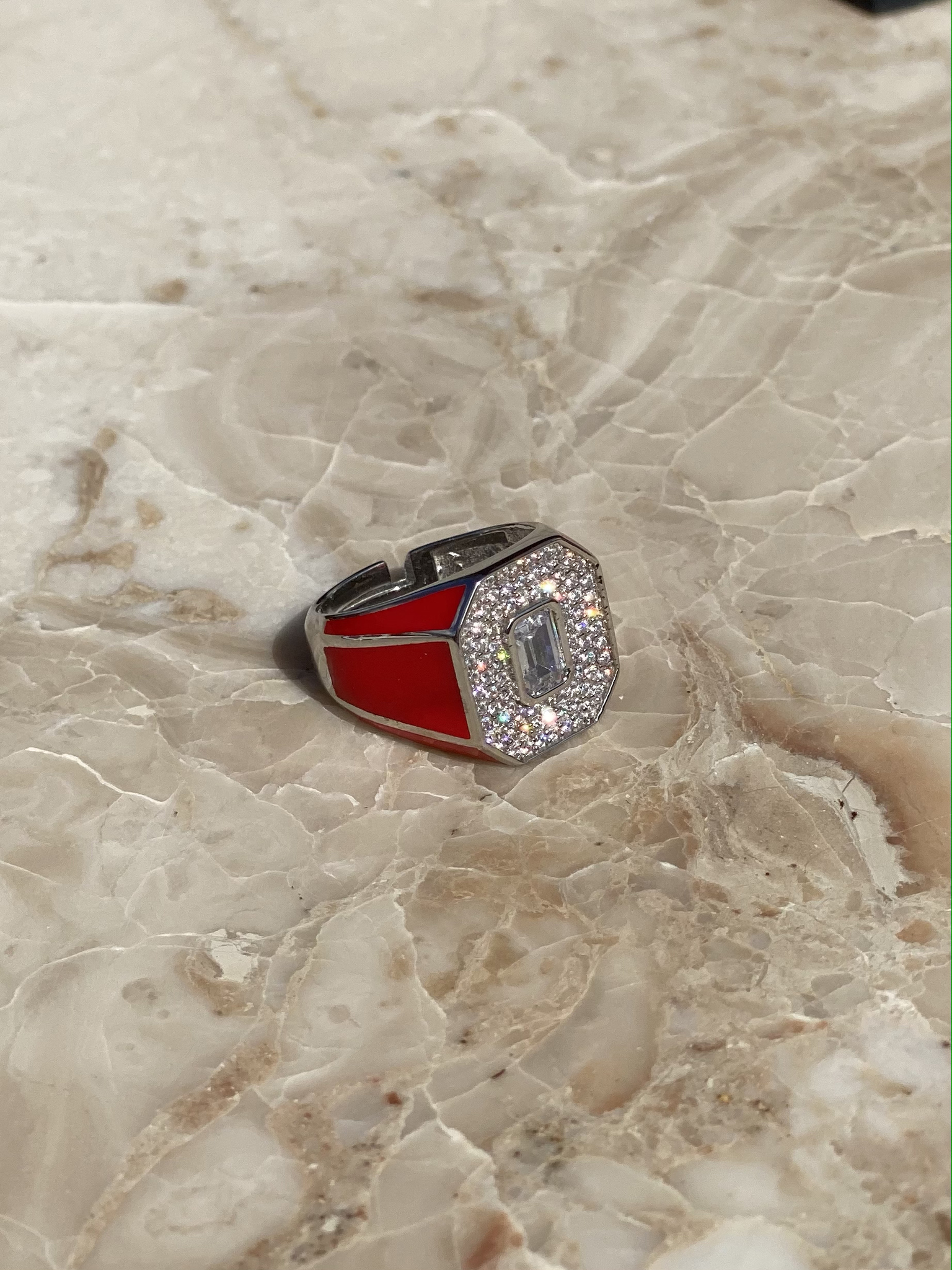Signet ring in silver with red enamel and zircons