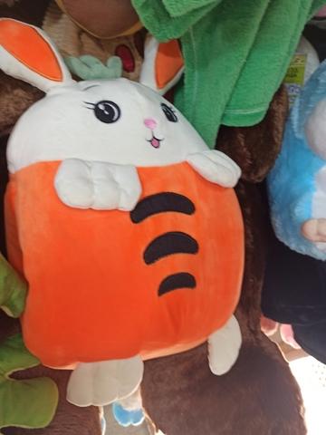 Заяц в морковке 30 см