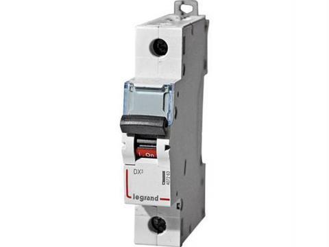 Автоматический выключатель DX-E 6000 - 6 кА - тип характеристики B - 1П - 230/400 В~ - 6 А - 1 модуль. Legrand (Легранд). 407204