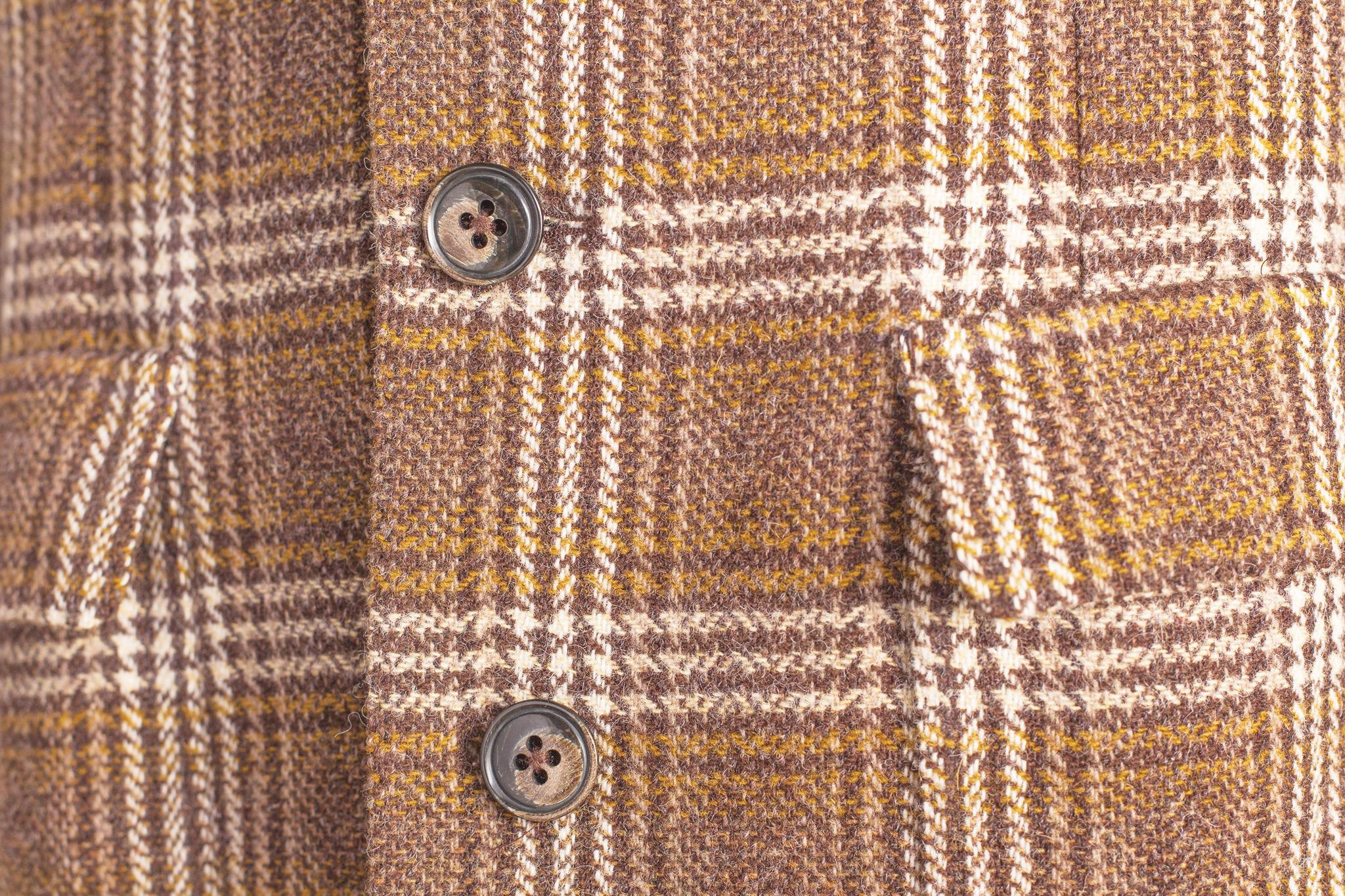 Классическое коричневое пальто в клетку из натуральной шерсти
