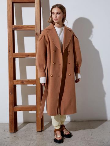 Пальто двубортное на поясе с объемным рукавом из шерсти кэмел