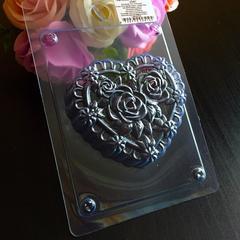 Пластиковая форма для шоколада жен. СЕРДЦЕ В РОЗАХ 75х70мм.