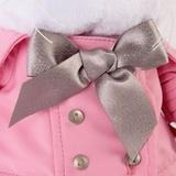 Кошечка Ли-Ли в розовом плаще с серым бантиком